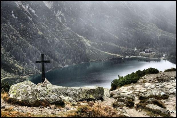 MOko we mgle #góry #krajobraz #tatry