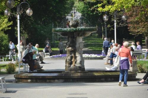 Fontanna w parku #busko #czarny #książe #Leszek #zdrój