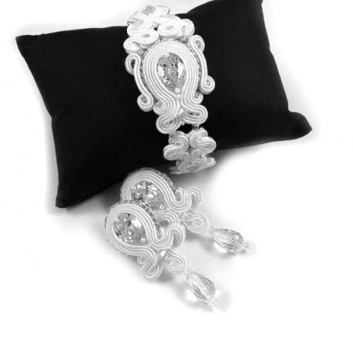 Śnieżnobiała biżuteria ślubna z cyrkoniami